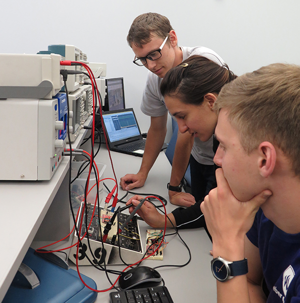 bachelor thesis electrical engineering Co-directors: associate professor alva couch (computer science) and associate professor shuchin aeron (electrical and computer engineering) the bachelor of science in data science will be offered starting in fall 2018.