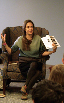 Photo of Naomi Shihab Nye.